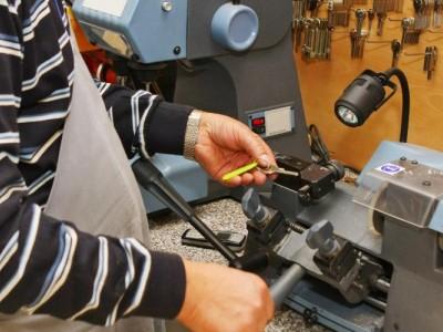 Мастерская по ремонту часов, и изготовлению ключей