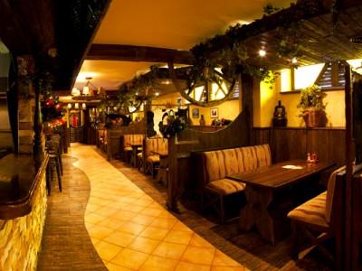 Уютный ресторан на 150 посадочных мест
