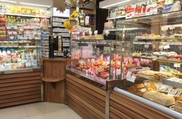Продуктовый магазин в элитном микрорайоне города