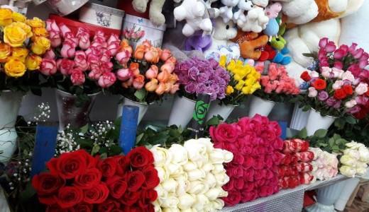 Магазин цветов на оживленной магистрали