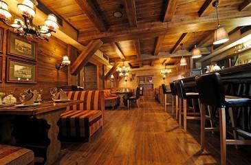 Рестобар с летней террасой
