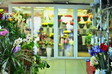 Магазин цветов в центре Барнаула