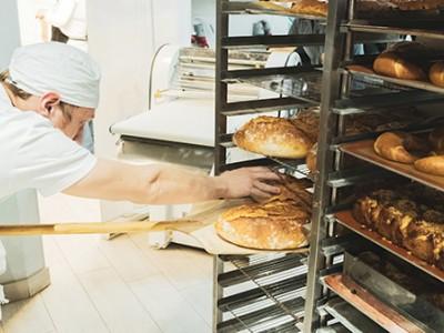 Продуктовый магазин + пекарня