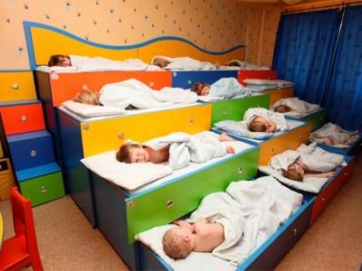 Популярный детский центр с бассейном.