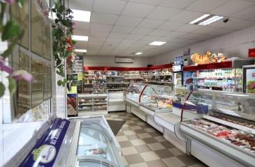 Продуктовый магазин на правом берегу
