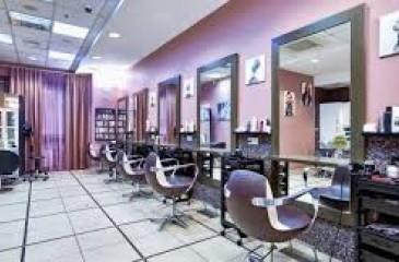 Салон - парикмахерская на первой линии