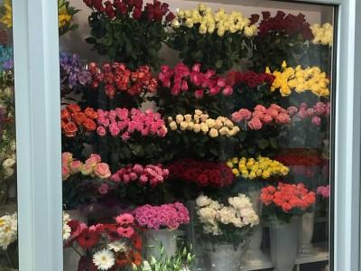 Салон цветов в нежилом на первой линии