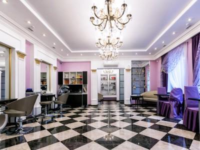 Оборудованный салон красоты с большим опытом работы