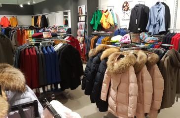 Популярный магазин одежды по цене товарного остатка (продано)