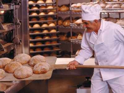 Магазин-пекарня с точками сбыта.