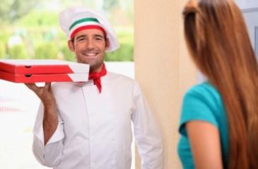 Доставка суши и пиццы с клиентской базой более 16 000 человек.