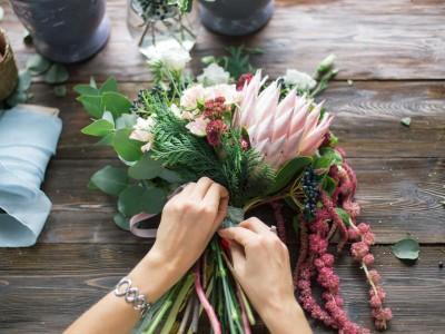 Магазин цветов со штатом флористов и большой базой