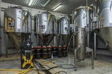 Шесть пивных магазинов с собственной пивоварней