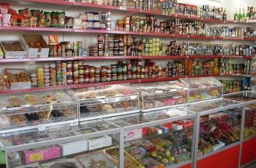 Продуктовый магазин в Кировском р-не