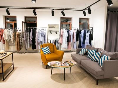 Шоу-рум дизайнерской одежды