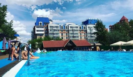 """Комплекс открытых бассейнов """" Ривьера"""""""